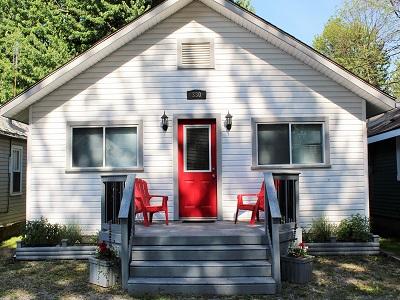 Crystal Beach Vacation Property Rental - Beebalm Cottage