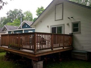 Beebalm-Deck-1-Crystal-Beach-Cottage-Rentals