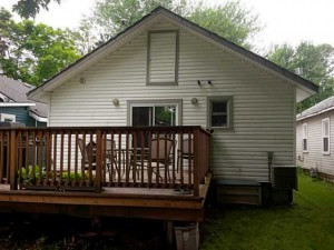 Beebalm-Deck-2-Crystal-Beach-Cottage-Rentals